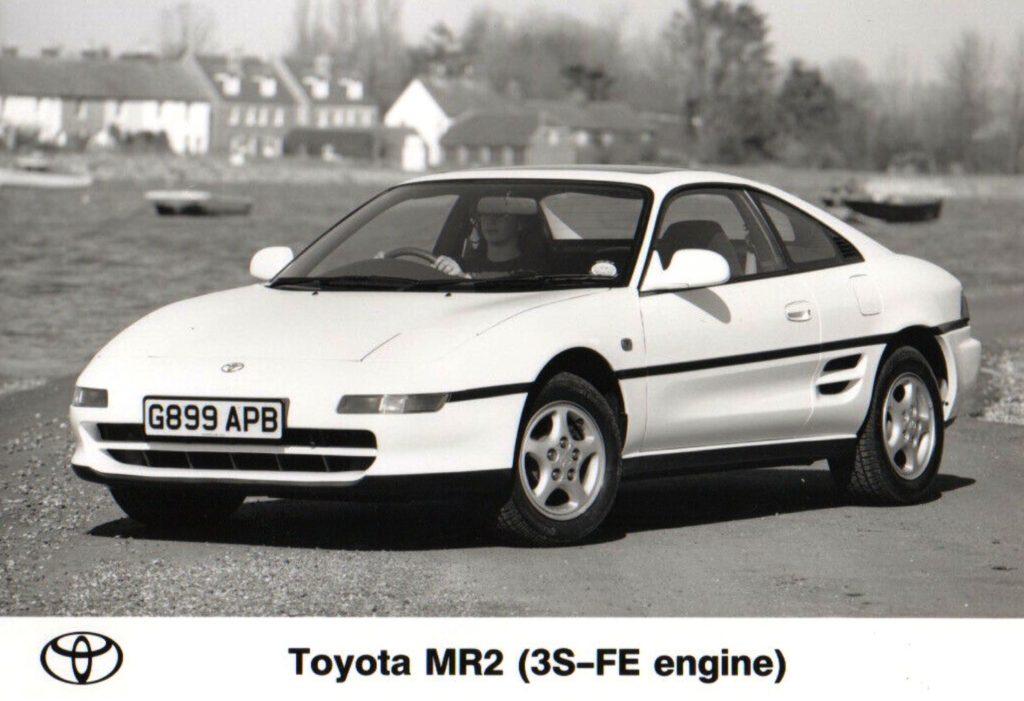 Toyota-MR2-W20-1024x701