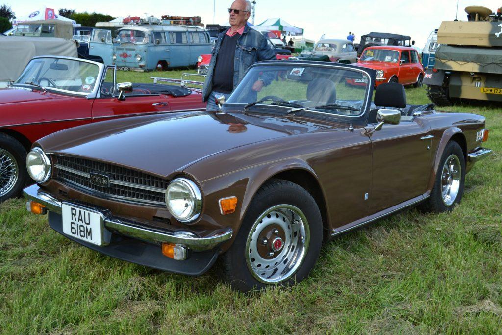 Triumph-TR6-1974-RAU-618M-1024x683