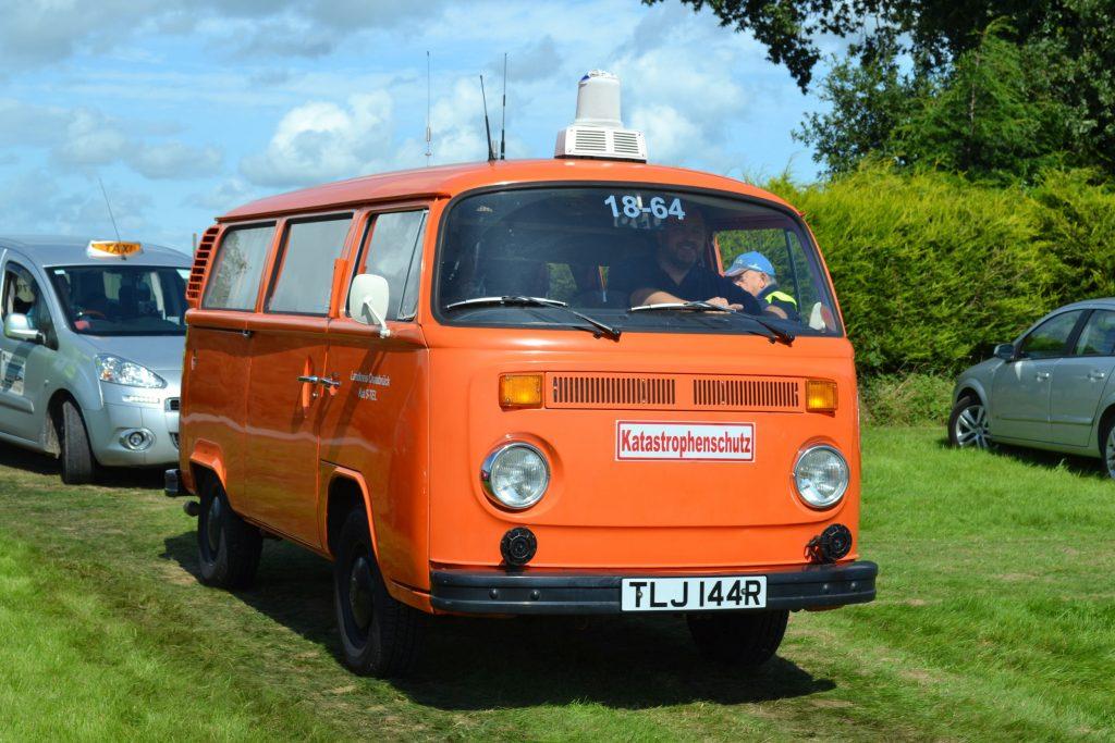 Volkswagen-Type-2-T2-Van-1977-TLJ-144R-1024x683