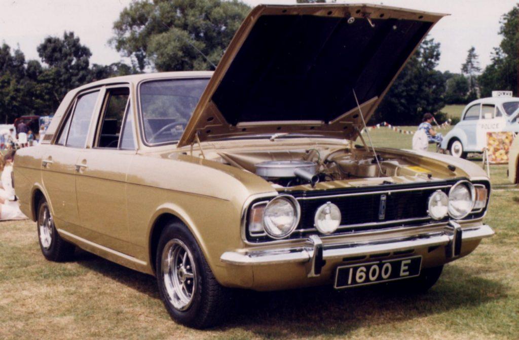 Ford-Cortina-Mk2-1600E-1024x670