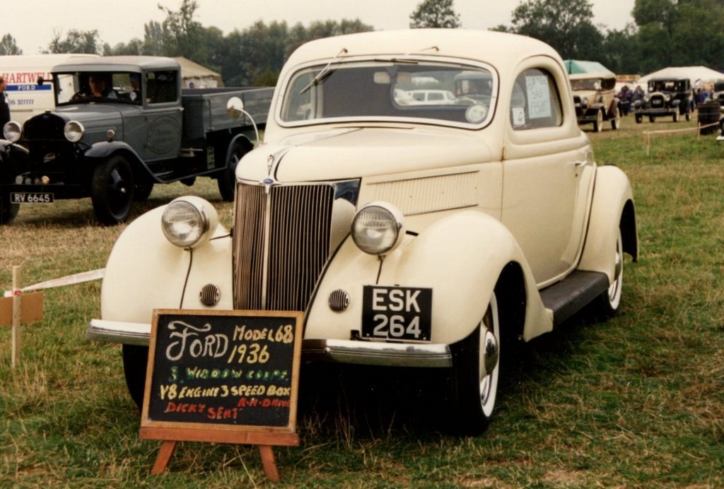 Ford-Model-68-3-Window-Coupe-1936ESK-264-1024x692