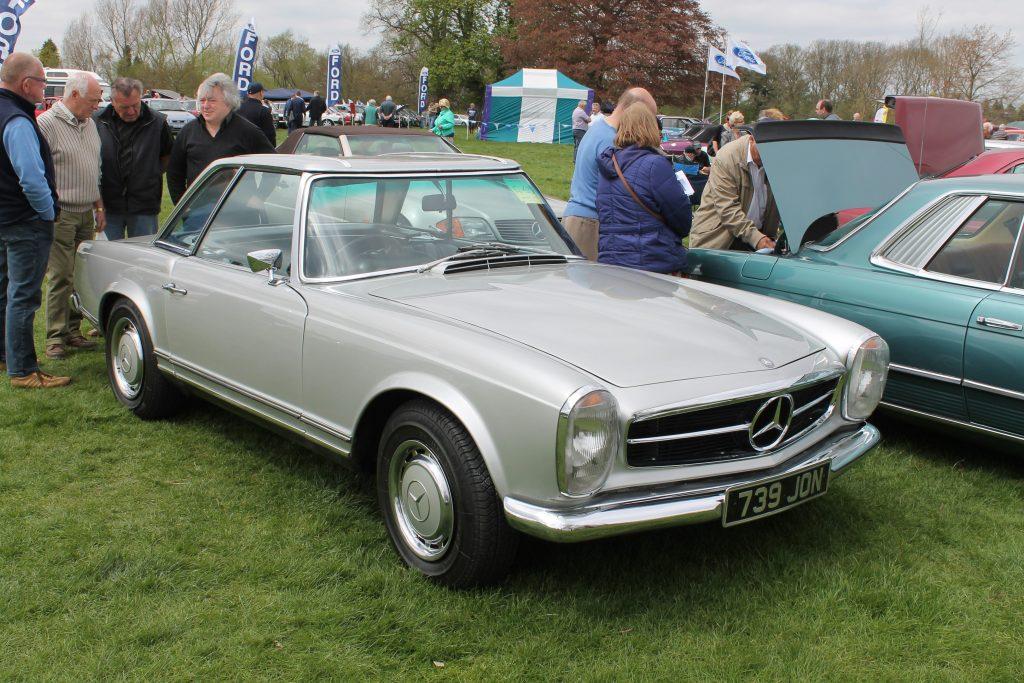 Mercedes-Benz-W113-230SL-739-JONMercedes-Benz-W113-1024x683